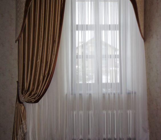 Классические шторы с фигурным ламбрекеном