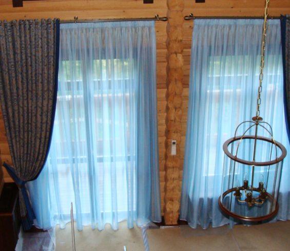 Шторы для гостиной в загородный дом