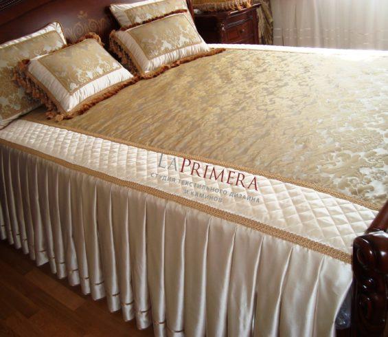 Комплект покрывало и подушки из искусственного шелка