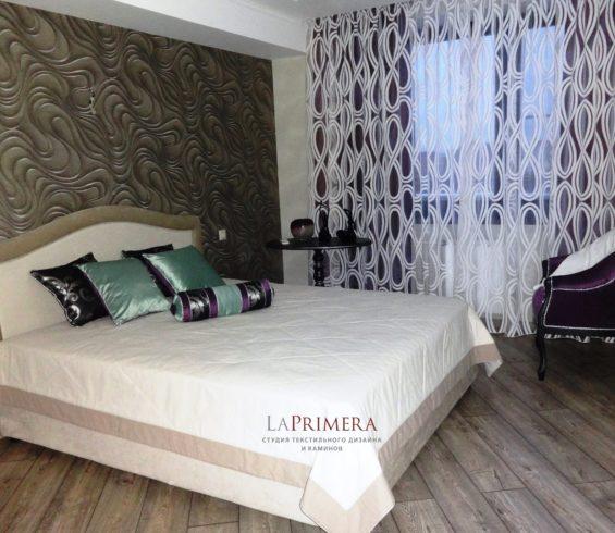 Спальня с пoдшторниками из ткани BlakOut