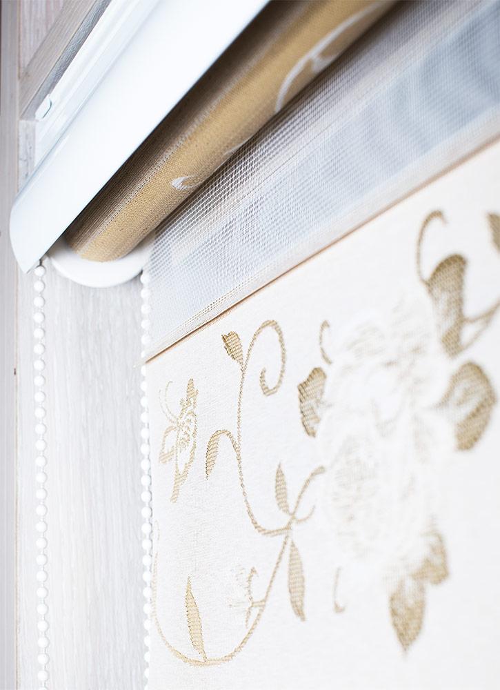 Рулонные шторы в белом стандартном коробе