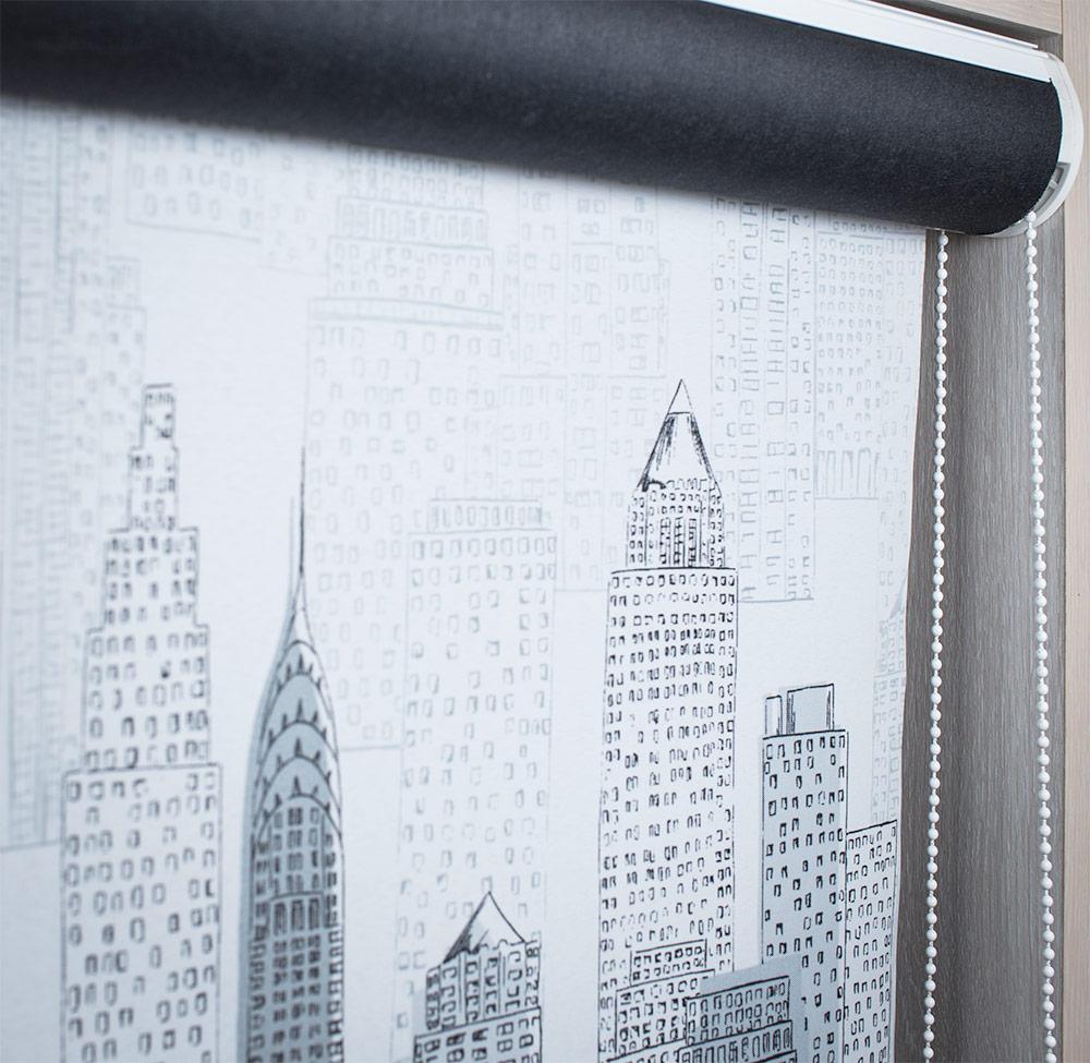 Рулонные шторы в коробе с декоративной тканью